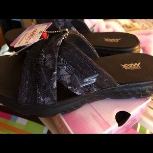 Skechers Shoes - Sketchers go walk on the go sandals